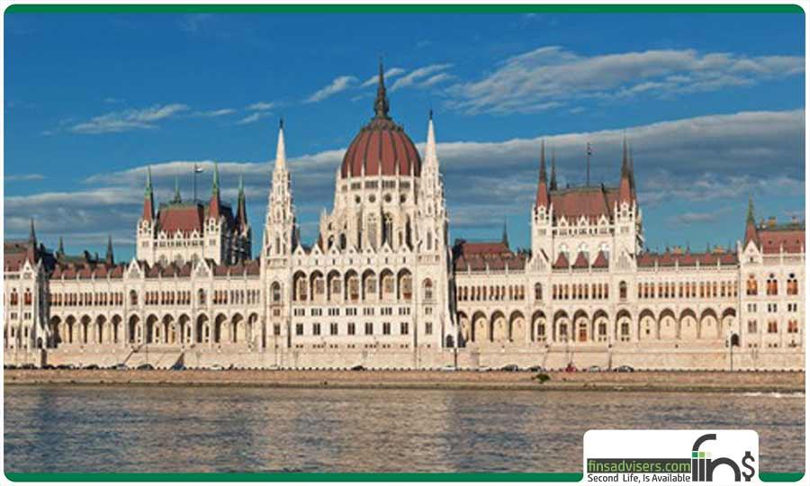 کاخ استرهازی مجارستان