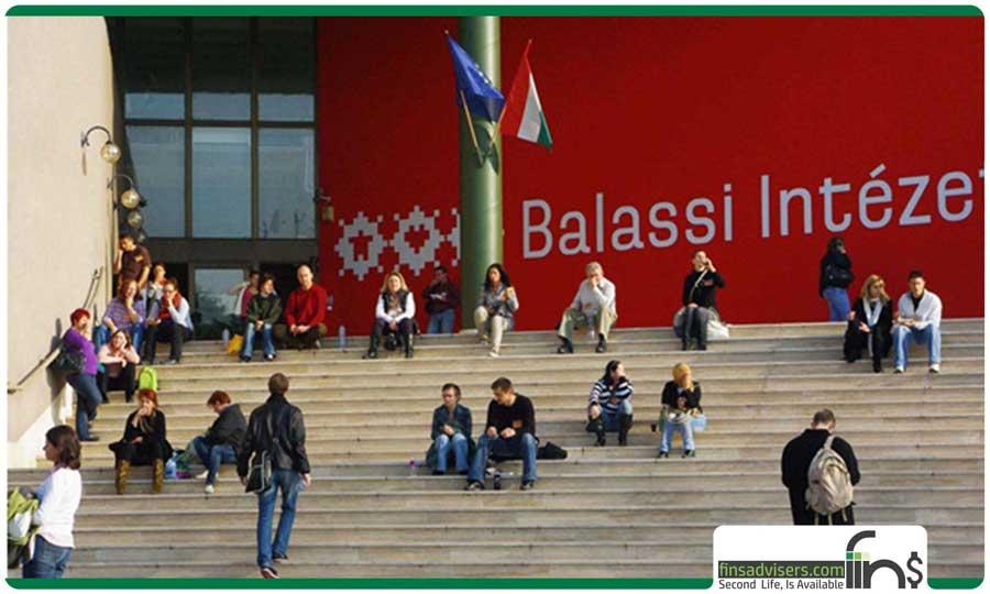 مزایای تحصیل دورههای زبان در مجارستان چیست؟
